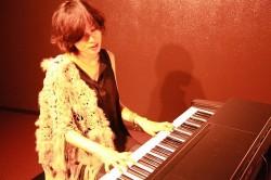 s-megu-vocal-piano